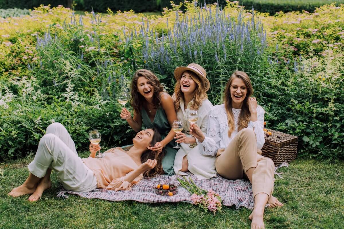 picnic wines and women